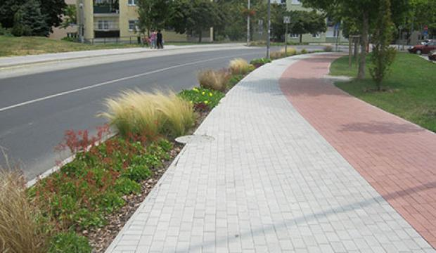 Százhalombatta út- és járdarekonstrukciós munkák 2011